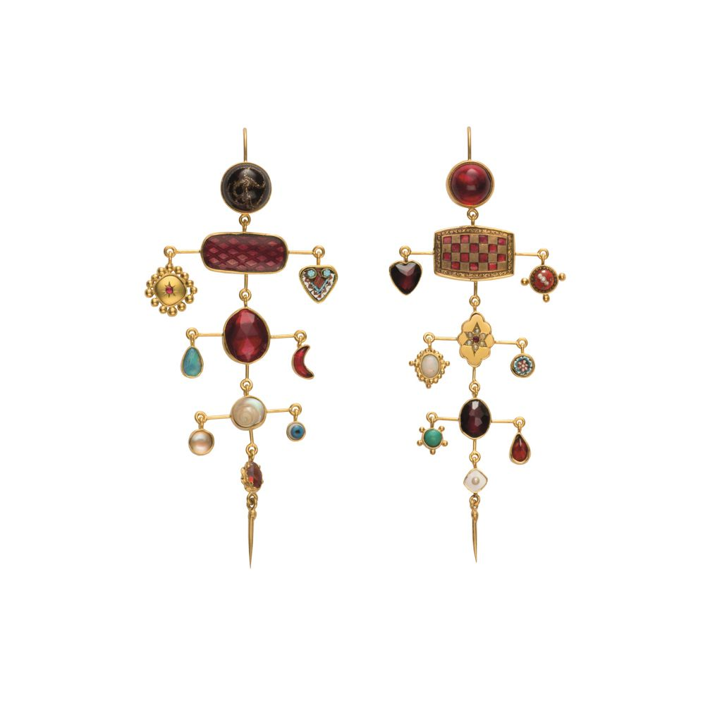 Boucles d'oreilles Grainne Morton multi layer balance with victorian drops