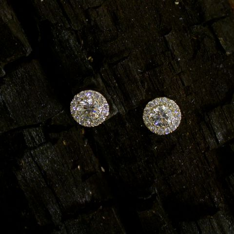 boucles d'oreilles création david mann or diamant central entourage diamants