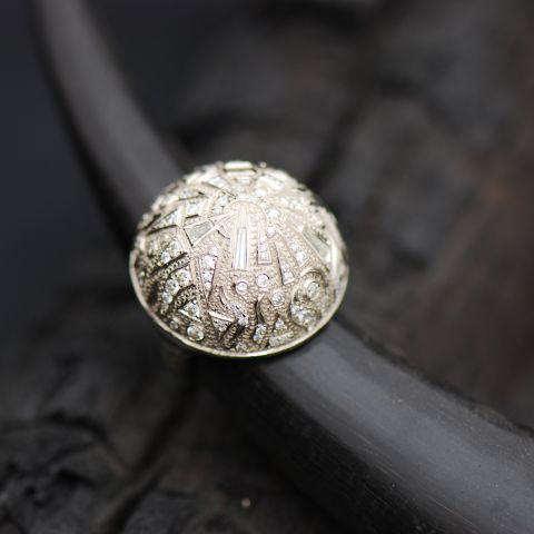 bague cabochon création david mann or blanc gravé diamants