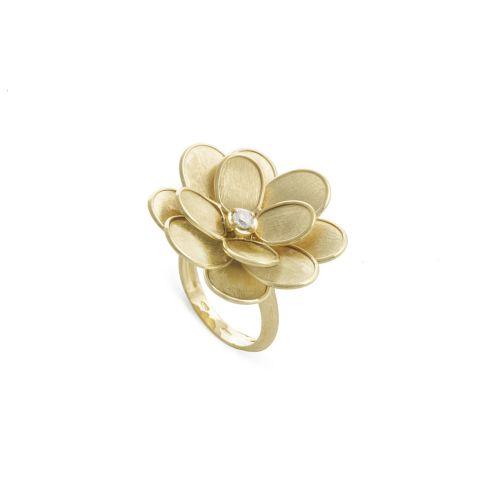 Bague Marco Bicego Lunaria Petali fleur d'or jaune guilloché, diamant central disponible dans notre bijouterie à Liège