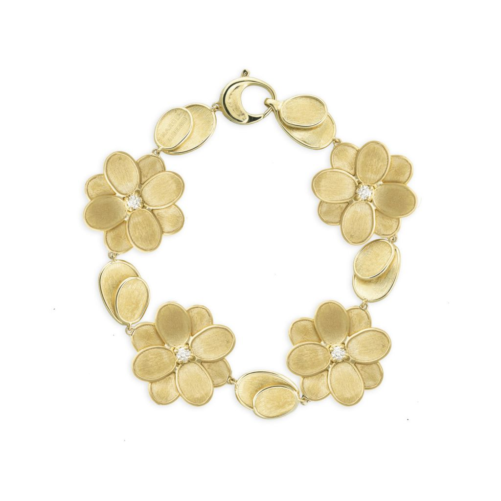 Bracelet complet Marco Bicego Lunaria Petali 4 fleurs d'or jaune guilloché, diamant central et pétales disponible dans notre bijouterie à Liège